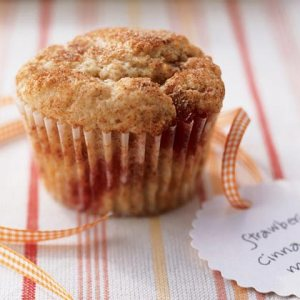 Strawberry-cinnamon muffins