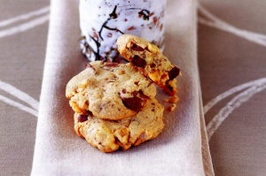 Walnut & chunky choc cookies